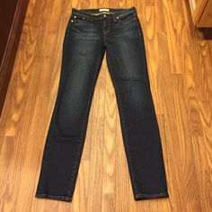 "Madewell Jeans Alley Straight Size cut out but measures 15"" across the top. Inseam 31.  Rise 9"" Madewell Jeans Straight Leg"