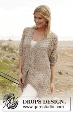 """Knitted DROPS jacket with lace pattern in """"Lin"""". Size: S - XXXL. ~ DROPS Design"""