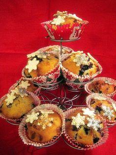Valkosuklaa-mustikkamuffinit