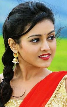 Beautiful Girl Photo, Beautiful Girl Indian, Most Beautiful Indian Actress, Beautiful Eyes, Cute Beauty, Beauty Full Girl, Beauty Women, Beautiful Bollywood Actress, Beautiful Actresses