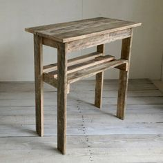 Farmhouse Furniture, Diy Furniture, Farmhouse Decor, Pallet Ideas, Pallet Projects, Wood Valance, Money Makers, Wood Pallets, Tables
