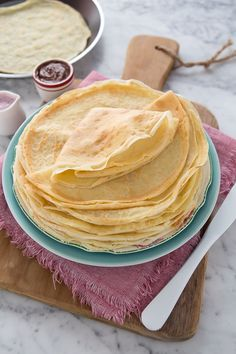 Sweet and Savory Crepes Recipe: Basic dough for making crepes Vegan Breakfast Recipes, Brunch Recipes, Dessert Recipes, Palacinke Recipe, Prosciutto, Crêpe Recipe, Crepes Nutella, How To Make Crepe, French Crepes