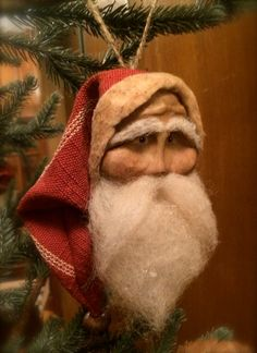 Handmade Primitive Santa Ornament by HeartFeltPrims on Etsy Susan Bonczyk