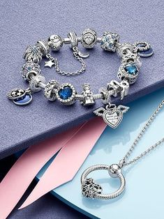 Pandora Jewelry OFF! Art Deco Jewelry, Jewelry Box, Fine Jewelry, Jewelry Design, Pandora Bracelets, Pandora Jewelry, Pandora Charms, Types Of Diamonds, Holiday Jewelry