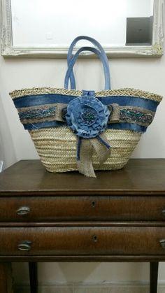 Capazo forrado con tejano reciclado y adornado con tejano Alpillera y pedreria