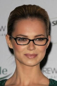 hairstyles including styles for eyeglass wearers on