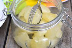 Limoncello rețeta italiană de lichior de lămâie preparat acasă   Savori Urbane Limoncello, Sorrento, Pickles, Cantaloupe, Cucumber, Fruit, Food, Mead, Syrup