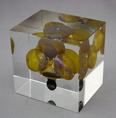 Year Cube, 1996, Oiva Toikka Glass Cube, Glass Artwork, Nordic Design, Old Antiques, Glass Design, Contemporary Art, Decorative Boxes, Objects, Shapes