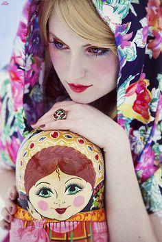 Russian Matryoshka Look Russian Beauty, Russian Fashion, Russian Folk, Russian Art, Russian Style, Mode Russe, Russian Culture, Matryoshka Doll, Wooden Dolls