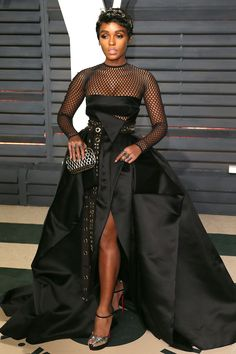 Attending the 2017 Vanity Fair Oscar Party in Beverly Hills All Black Fashion, Star Fashion, Runway Fashion, Girl Fashion, Fashion Looks, Celebrity Red Carpet, Celebrity Style, Black Goddess, Gowns Of Elegance