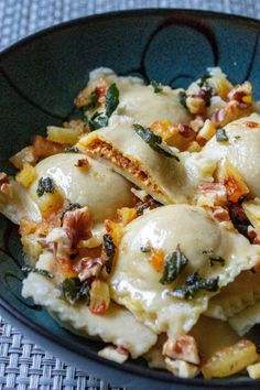 Pumpkin Ravioli in Apple Sage Butter Sauce are easy homemade pumpkin ravoili simmered in a rich sage butter and topped with apples and walnuts. Perfect fall comfort food in a bowl! Pumpkin Ravioli in Apple Sage Butter Sauce are easy homemade p Pumpkin Dishes, Pumpkin Recipes, Fall Recipes, Vegan Pumpkin Soup, Think Food, I Love Food, Sage Butter Sauce, Vegetarian Recipes, Cooking Recipes