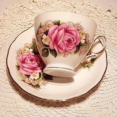 Royal Vale / English Bone China / Pink Rose / Footed Tea Cup (1960's)