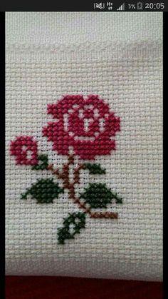 cross stitch heart - nice on a card! Cross Stitch Bookmarks, Cross Stitch Cards, Cross Stitch Rose, Cross Stitch Borders, Cross Stitch Flowers, Cross Stitch Designs, Cross Stitching, Cross Stitch Embroidery, Embroidery Patterns