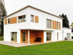 Minimalistisch Und Schnörkellos Ist Dieses Massivholzhauses Von Sonnleitner  Haus. Die Bauherren Orientierten Sich Dabei Am
