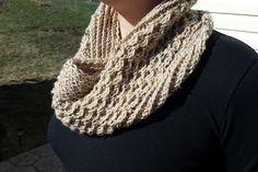 Honeycomb Cowl hand knit by FrankenSkeinNeedlWrx on Etsy Honeycomb, Hand Knitting, Cowl, Crochet, Handmade, Etsy, Fashion, Moda, Fashion Styles