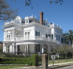 Design Portal: Things We Love: Double Front Porches wedding cake house, New Orleans Victorian Architecture, Beautiful Architecture, Beautiful Buildings, Beautiful Homes, Classical Architecture, Old Mansions, Abandoned Mansions, Abandoned Houses, Double Islands
