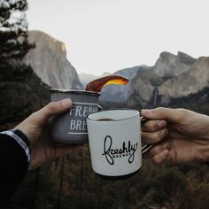 Freshly brewed coffee shared on the mountains ☕️