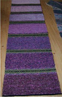 Elvis matta, Trasmatta vävd i tuskaft och lite rosengång, 72 x 240 cm