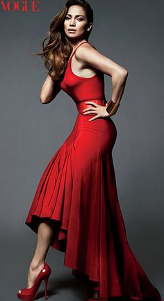 Stunning skirt, imagine really dancing in this, like the cha cha or the meringe....!