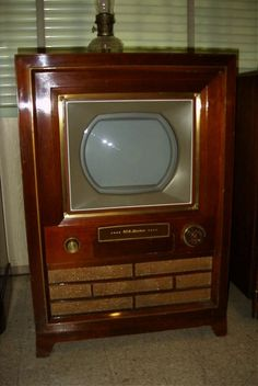 smitty's tv 1954 rca victor first rca color television receiver. Tvs, Radios, Radio Record Player, Record Players, Color Television, Vintage Appliances, Tv Sets, Nostalgia, Vintage Tv