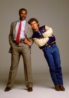 Cult Legends is a Facebook Page of HQ and rare images, devoted to a nostalgic look at Tv and Movie Icons. With Fictional Characters from the Big and Small Screen…Come take a look at our Cult Albums. www.facebook.com/cultlegends Danny Glover, Viejo Hollywood, Hollywood Actor, Mel Gibson, Lethal Weapon 2, Badass Movie, The Expendables, Clint Eastwood, Film Serie
