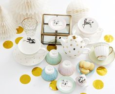 missetoile.dk  Tea party time - tea pot and cups, cmall bowls and tiny cake plates