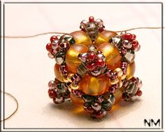 beaded bead-cube tutorial  It can be translated to English - Great Pictorial Instructions--THANK YOU!
