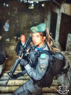 Girls with Guns ❤ IDF - Israel Defense Forces - Women Idf Women, Military Women, Military Female, Military Girl, Military Police, Israeli Girls, Danger Girl, Female Soldier, Girls Uniforms