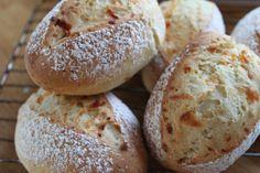 Glutenfrie hverdagsrundstykker eller -brød :-) (snuddpaahodet)