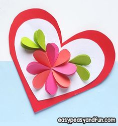 Heart Flowers Mothers Day Card - Easy Peasy and Fun Mothers Day Card Kids, Mother Card, Mothers Day Flowers, Easy Mother's Day Crafts, Crafts For Kids To Make, Kids Crafts, Paper Flower Wreaths, Flower Crafts, Craft Gifts