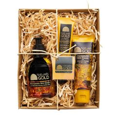 Our Therapeutic Skin Cream gift box includes:  160g pump bottle of Therapeutic Skin Cream 20g tube of Manuka Power Concentrated Ointment FREE 50g tube of Therapeutic Skin Cream Experience the full benefits of Manuka honey with our Therapeutic skincare products. A thoughtful thank you gift or get well present.