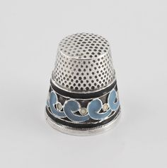RUSSIAN SILVER AND ENAMEL THIMBLE