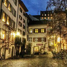 "@macfishs_knipskiste's photo: ""#Basel #Switzerland #city #scenic #oldtown #winter #nightlife #romantic"""