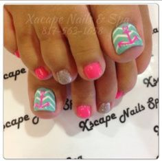 Nail art Christmas - the festive spirit on the nails. Over 70 creative ideas and tutorials - My Nails Beach Toe Nails, Cute Toe Nails, Toe Nail Art, Love Nails, Pink Nails, How To Do Nails, Pretty Nails, Pedicure Designs, Manicure Y Pedicure