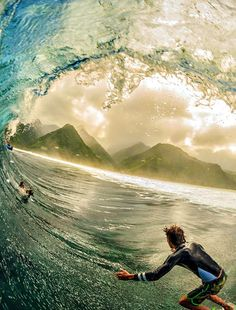 Koa Smith Teahupoo surf surfing surfer waves big waves barrel covered up ocean sea water swell surf culture island beach ocean water stoked drop in surf's up surfboard salt life Big Waves, Ocean Waves, Surf Mar, Foto Sport, Sports Nautiques, Water Sports, Big Wave Surfing, Surfing Photos, Sport Fitness
