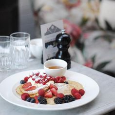 Wow check out these #pancakes with #berries by @ldnfoodguide at @bourneandhollingsworth #toplondonrestaurants #topcitybites