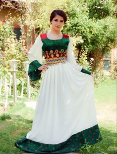 Afghan Clothes, Afghan Dresses, Fancy Dress Design, Muslim Fashion, Designer Dresses, Fashion Dresses, Culture, Gowns, Nails