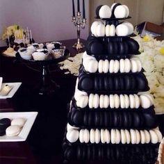 Risultati immagini per black macarons