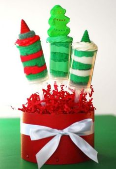 Red and green christmas push up pops