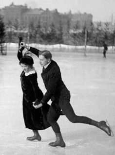 Finnish skaters in the who won the olympic games gold medal Ice Skating, Figure Skating, Old Photos, Vintage Photos, Victorian Photos, Winter Pictures, Winter Wonder, Historical Pictures, Winter Sports