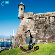 ¡Escápate a #ACoruña! Descarga nuestra guía para conocer nuestra ciudad en 2 días bit.ly/coruna-48 #visitacoruña Coruna, Pisa, Tower, Building, Travel, Getting To Know, Cities, Rook, Viajes
