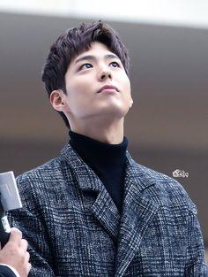 박보검 161119 TNGT 팬싸인회 [ 출처 : 그린내 https://twitter.com/dwloveuj/status/802132024303620096 ]