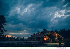 Sarah + Matt :: Wedding at the Barn at Finley Point in Polson Montana - Photos by Kristine Paulsen Photography