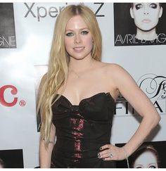 Avril Lavigne in deep red