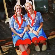 Cheese girls from #holland #cheesemarkets