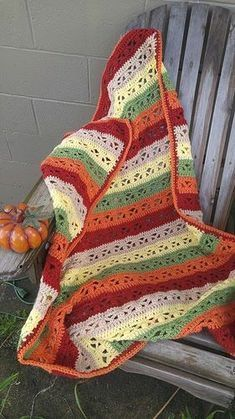 Crochet throw pattern in beautiful Autumn colors! Super easy crochet pattern!