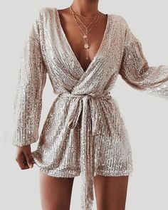 Shop Sexy Trending Dresses – IVRose offers the best women's fashion Dresses deals New Years Outfit, New Years Eve Outfits, New Years Dress, Look Fashion, Fashion Outfits, Womens Fashion, Elegance Fashion, Stylish Outfits, Glamorous Outfits