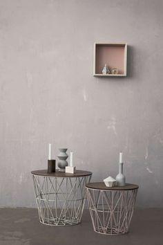 Ferm Living – naturligt design i landlig stil - detydre. Wire Side Table, Home Furniture, Furniture Design, Living Colors, Iron Coffee Table, Coffee Tables, Wire Baskets, Deco Design, My New Room