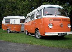 vw bus and trailor Vw Camper Bus, Kombi Motorhome, Camper Caravan, Volkswagen Transporter, Auto Volkswagen, Vw T1, Kombi Trailer, Camper Trailers, Vintage Caravans