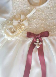 http://www.graceofsweden.com/en/accessories/baptism-bows